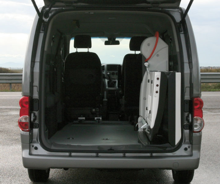 Nissan Evalia With Fiorella Lift F Twister