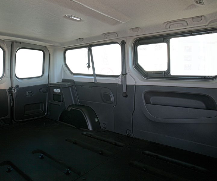 Renault Trafic Wheelchair Accessible Vehicle - Focaccia Group ...