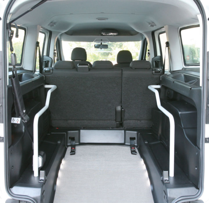 Opel Combo Wheelchair Accessible Veihcle L2